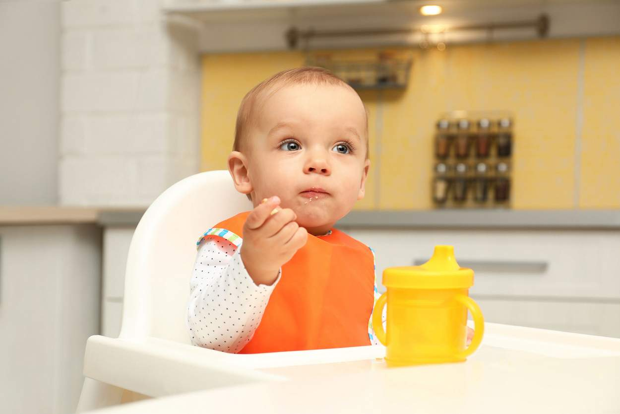 Baby will Kekse essen