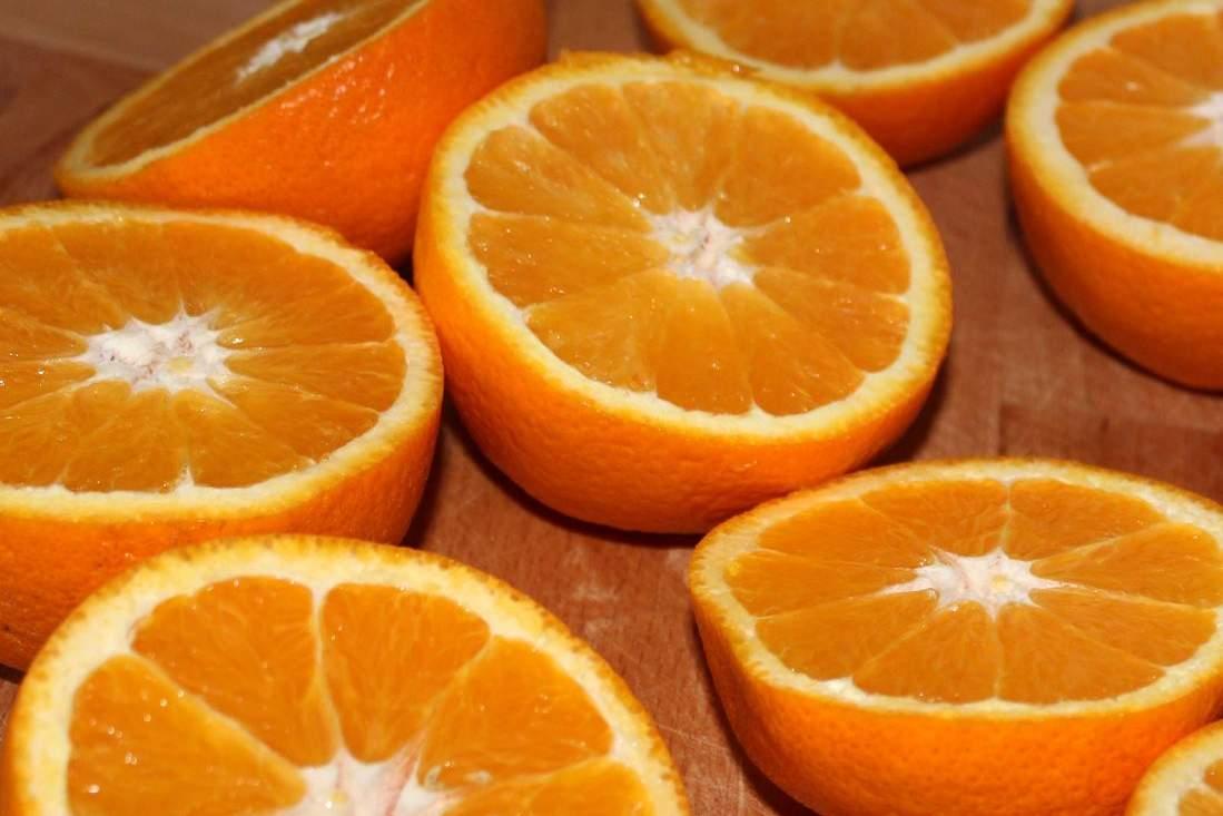 aufgeschnittene orangen zitrusfrüchte