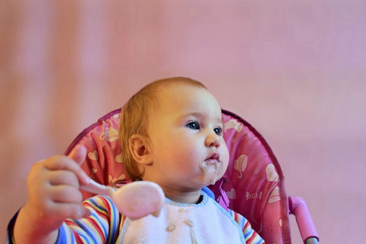 Baby will Dinkelgries Griesbrei essen