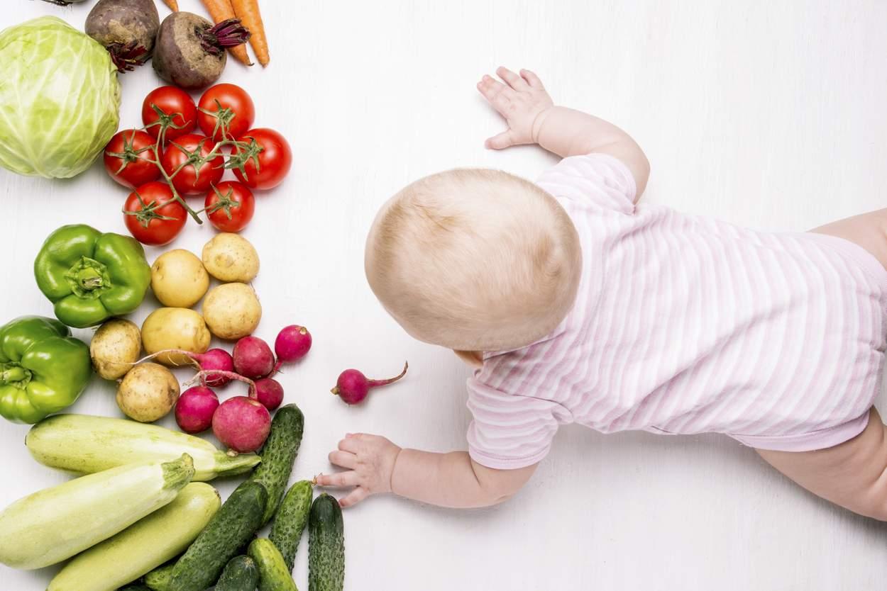 Baby will Gemüse essen