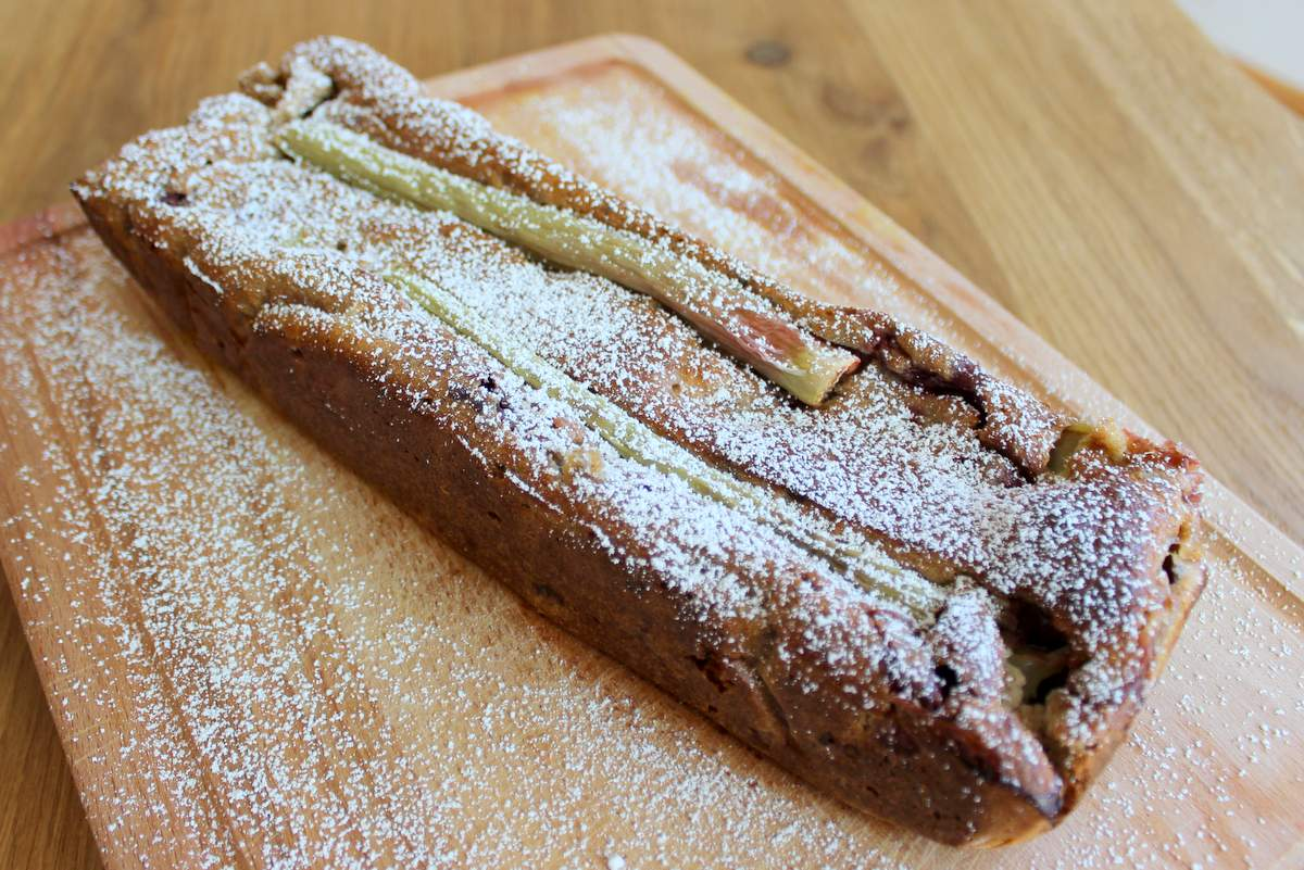 Erdbeer-Rhabarber Bananenbrot ohne Zucker